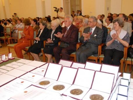 Nyugdíjas terézvárosi pedagógusok jelentkezését várják